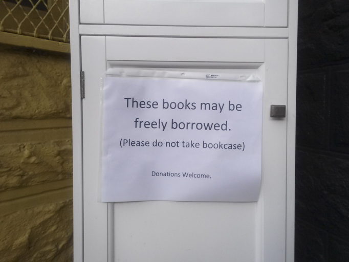 Thieves! Duboce Triangle free library stolen, replaced