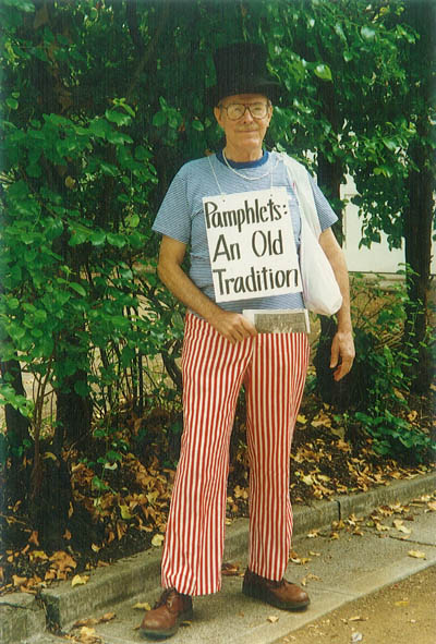 Memorial for Charles Lee Smith (1925-2010), passionate pamphleteer