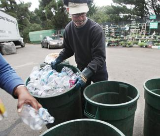 Mar calls for hearing on recycling center evictions