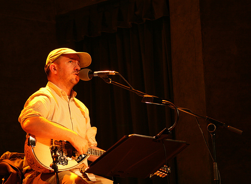 The Magnetic Fields play '69 Love Songs' and then some at the Fox